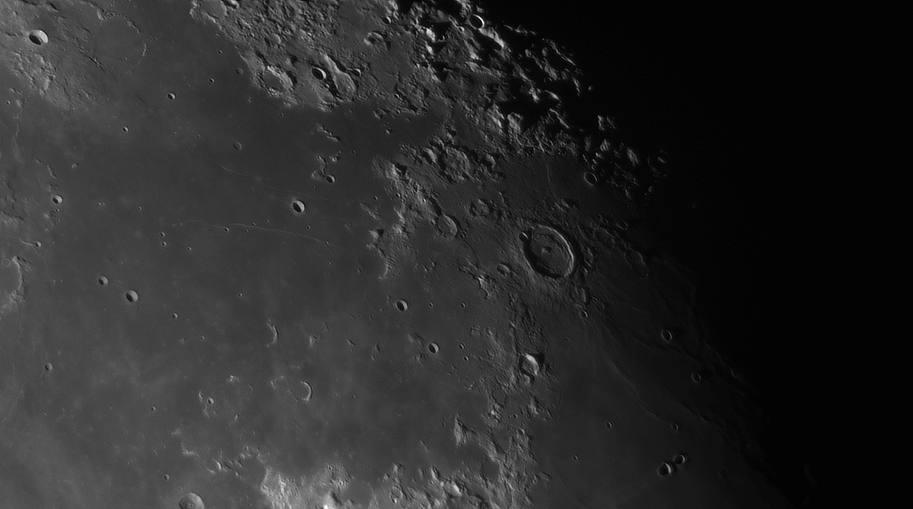 5e56c9e798b2f_Moon_055720_120220_ZWOASI290MM_IR_742nm_AS_P30_lapl4_ap993_AI_Deconvolution_10.jpg.509caf0da56b7efe702c41b5a82a28ae.jpg