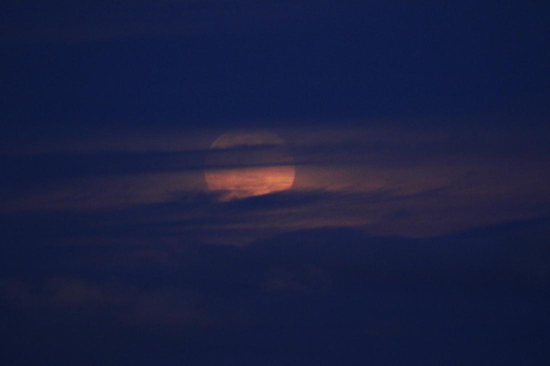 la lune le 09/022020 (48850)