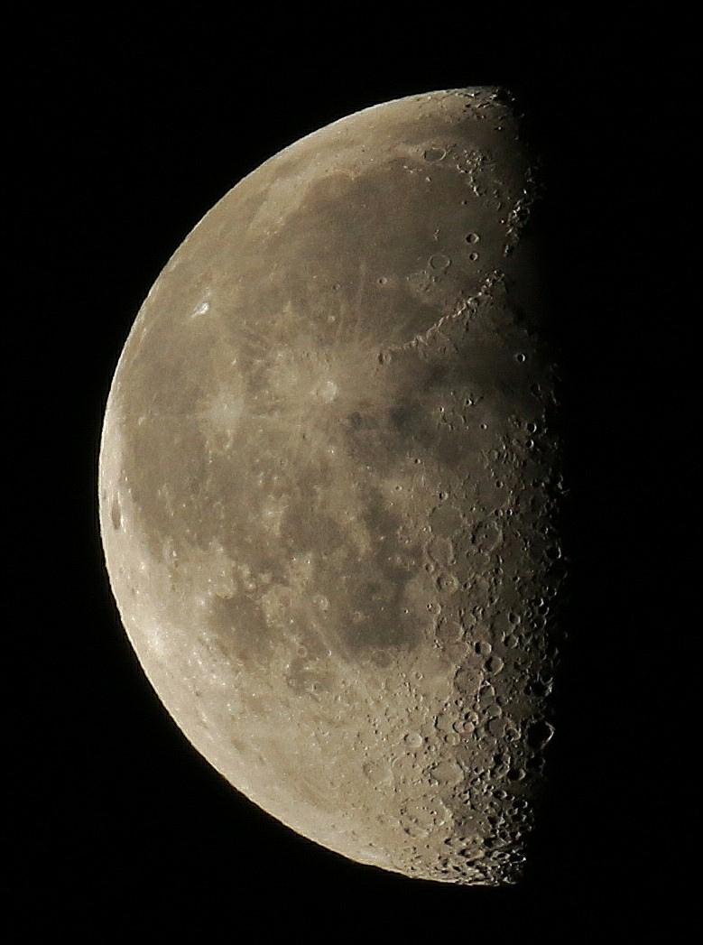 la lune le 15/02/2020 (49182AI2R6 2)