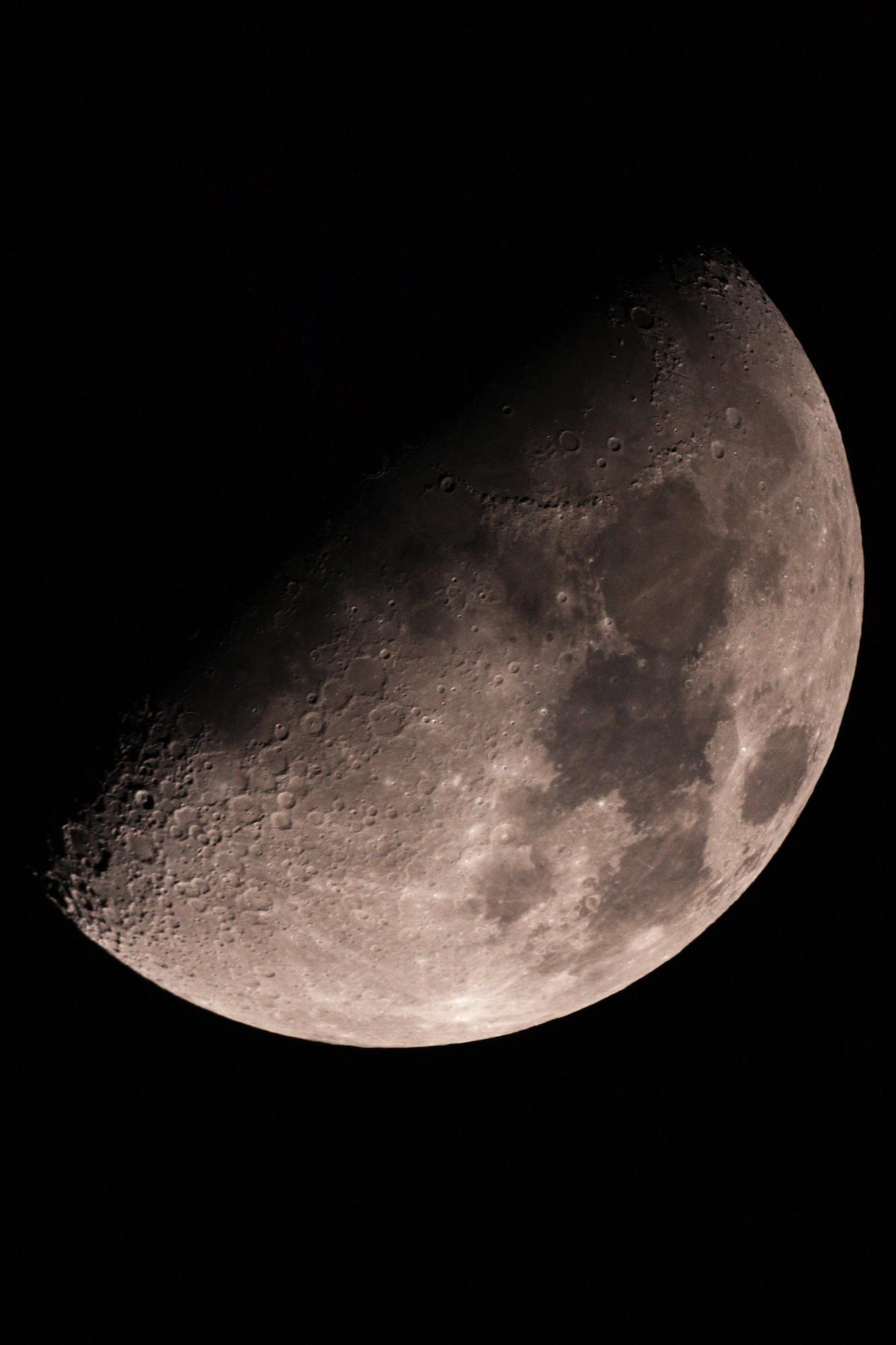 lune traitée.jpg