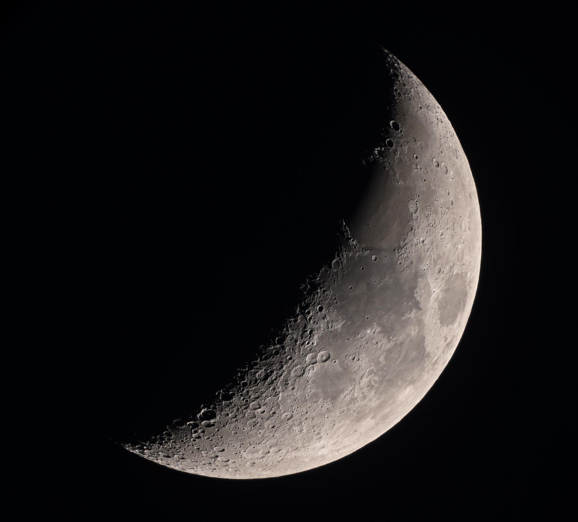 5e83a62b70fe5_lune30mars2.thumb.jpg.f5aff50842f1f3cc8bd351ea28d0f734.jpg