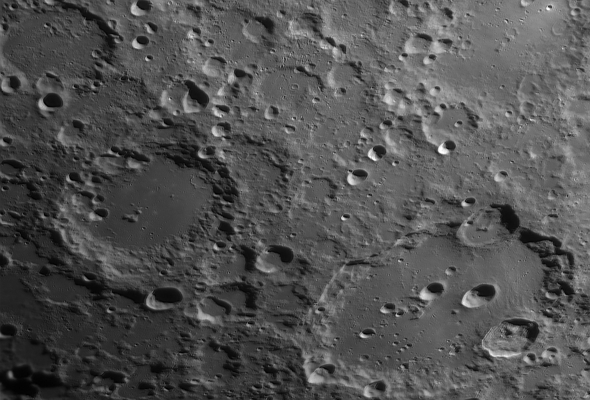 20200403_190511_Moon_W23A_Clavius.thumb.jpg.ae15115d69fb33c2bc71c5e25ddc26e8.jpg