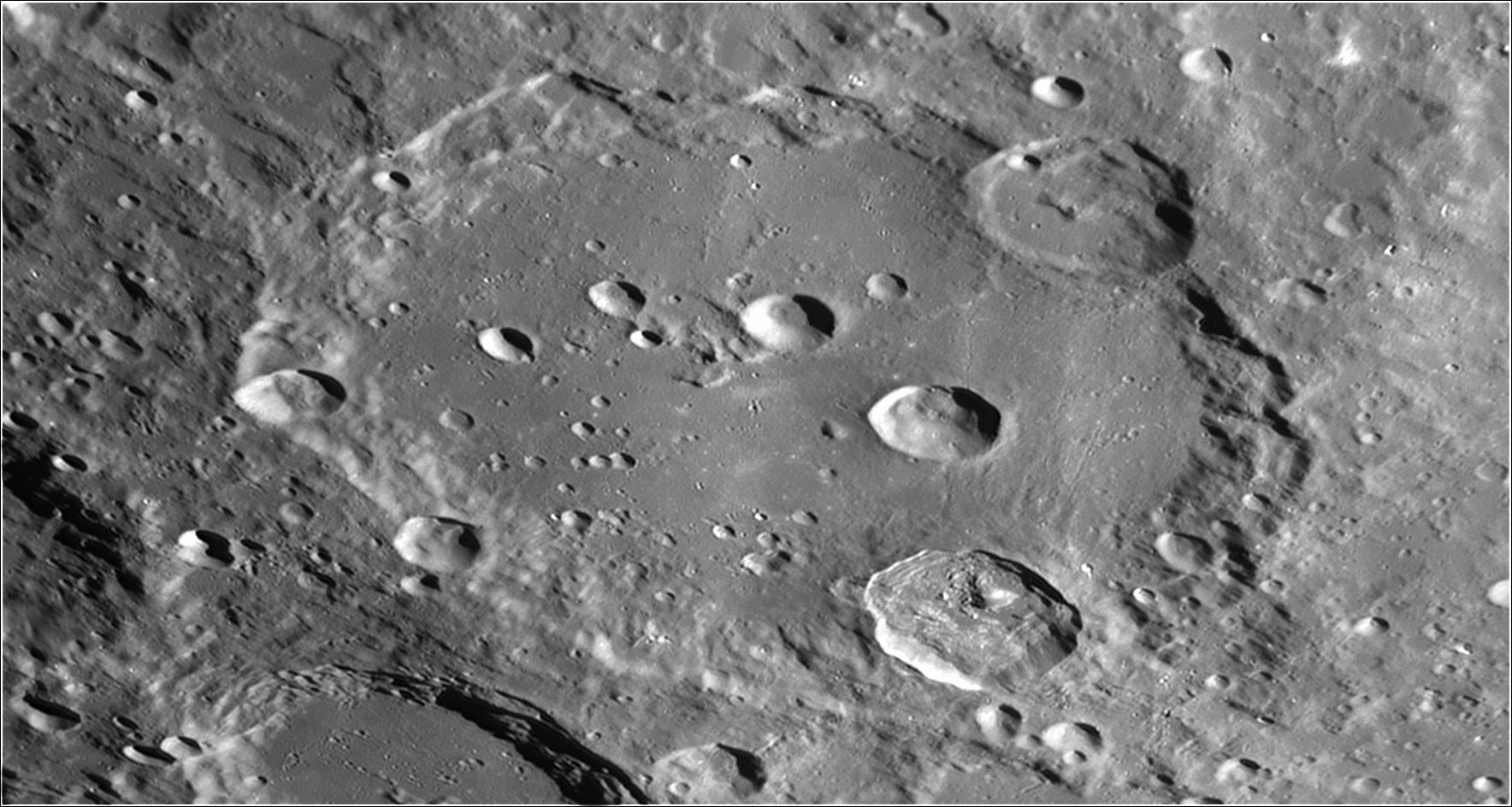 2020-04-04-1958_3-B-Moon_ZWO ASI290MM Mini_lapl4_ap948.png