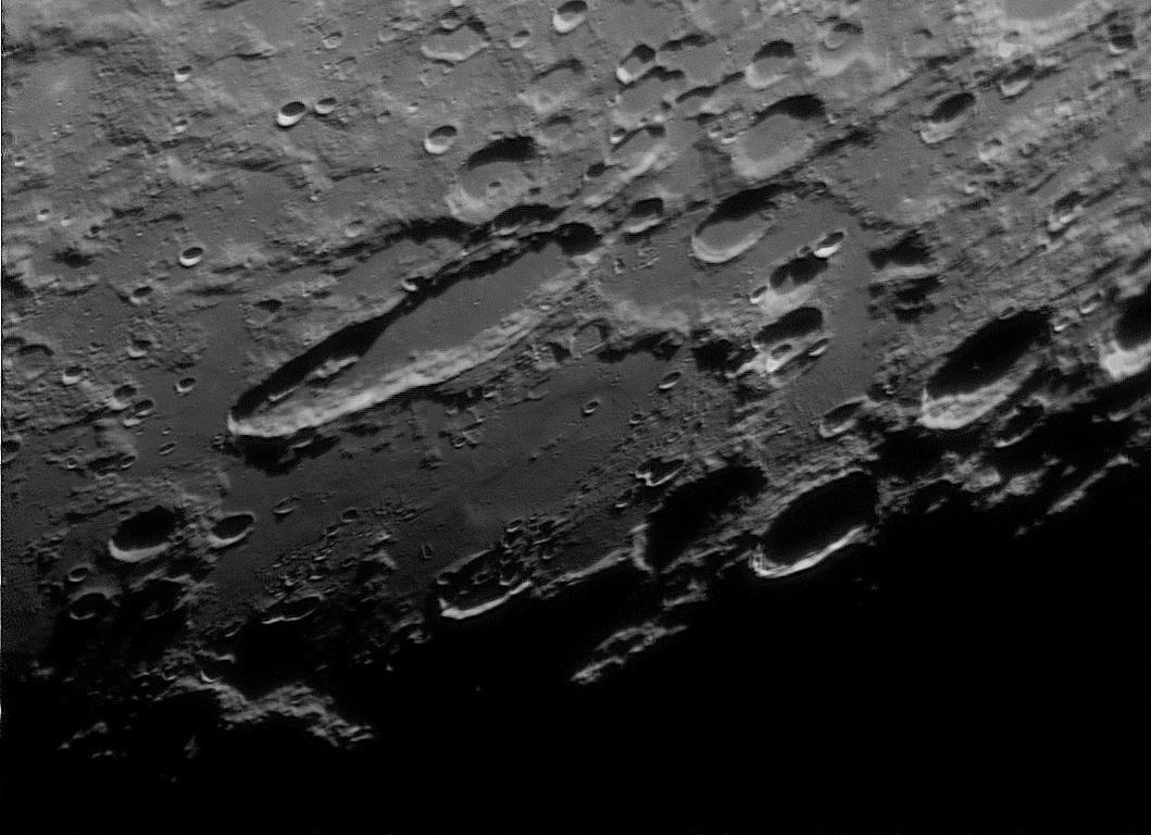 Moon_205936_F0001-2000_modifié.jpg