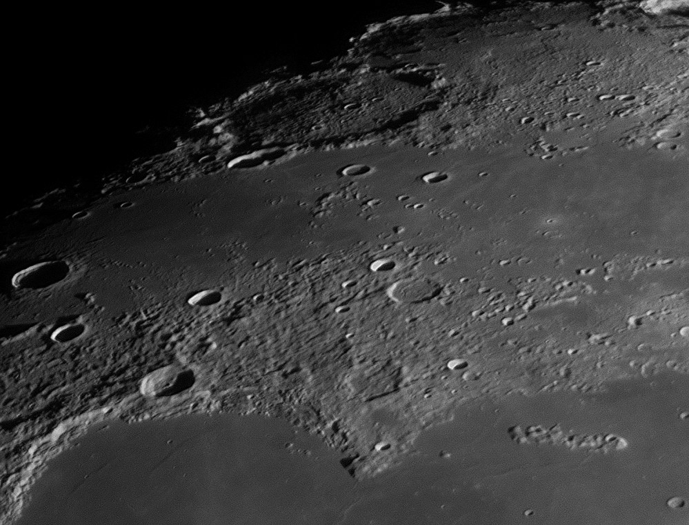 Moon_223407_F0001-1000_modifié.jpg