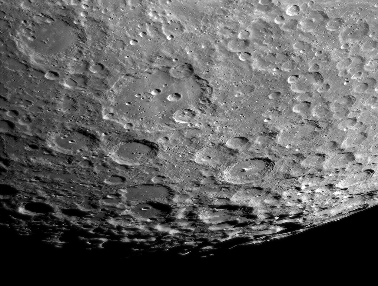 Moon_222624_R_lapl4_ap4968-deconvolved_DxO.jpg