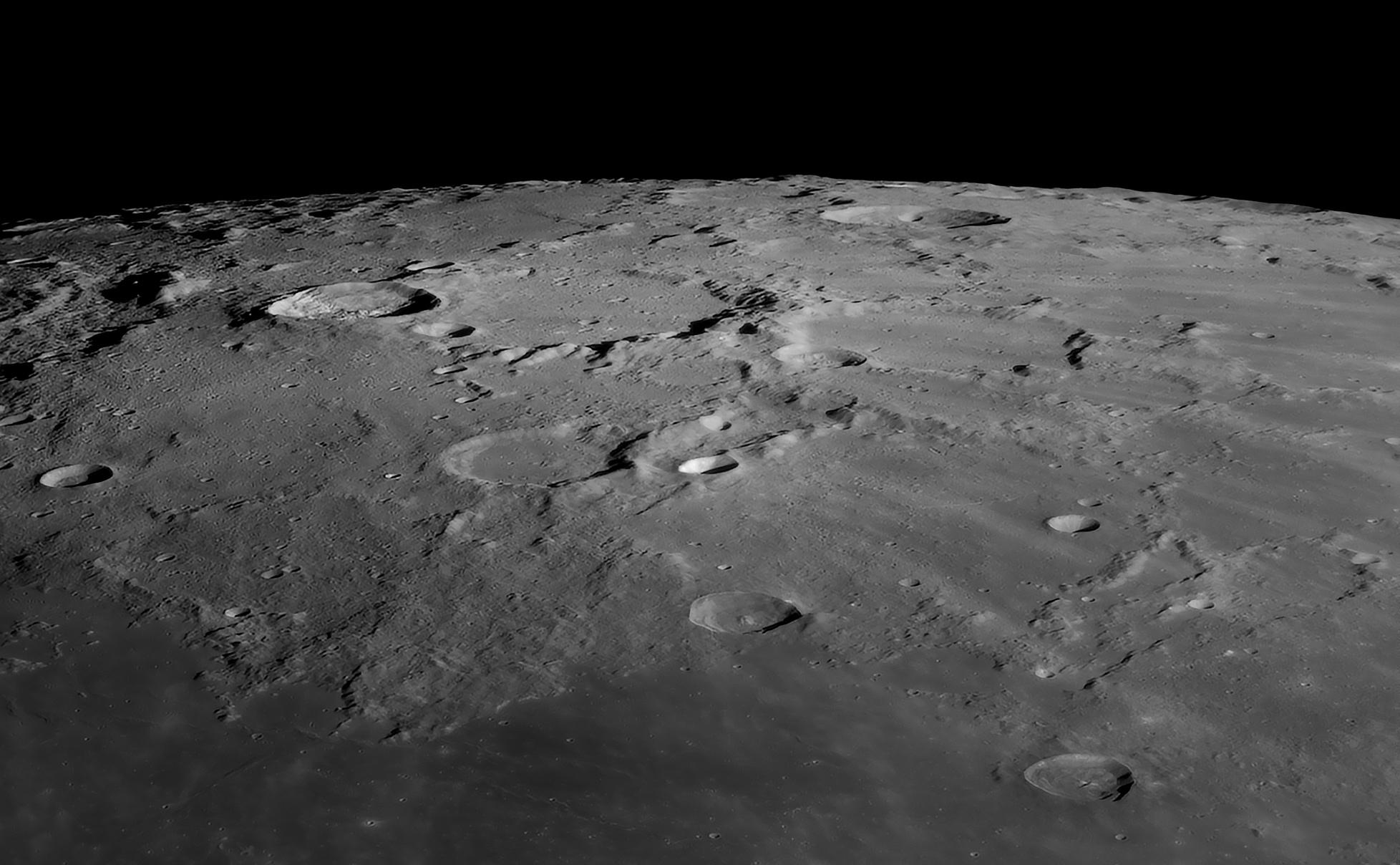 Anaxagoras au C14, le 4 Avril 2020: 300 images, caméra 174MM, Baader FFC, ADC Pierro Astro, filtre Astronomik orange 2c