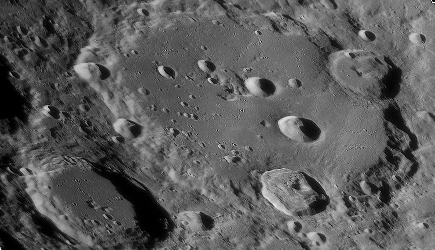 large.Clavius-C14-03_04_2020_20_3.jpg.bea32a083fb31c853b545152d8fb1149.jpg