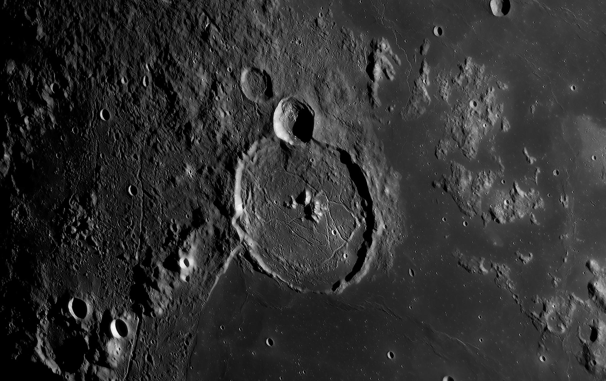 Gassendi le 4 Avril 2020 au C14: 350 images, caméra 174mm, FFC Baader, ADC Pierro Astro et filtre Astronomik rouge 2c