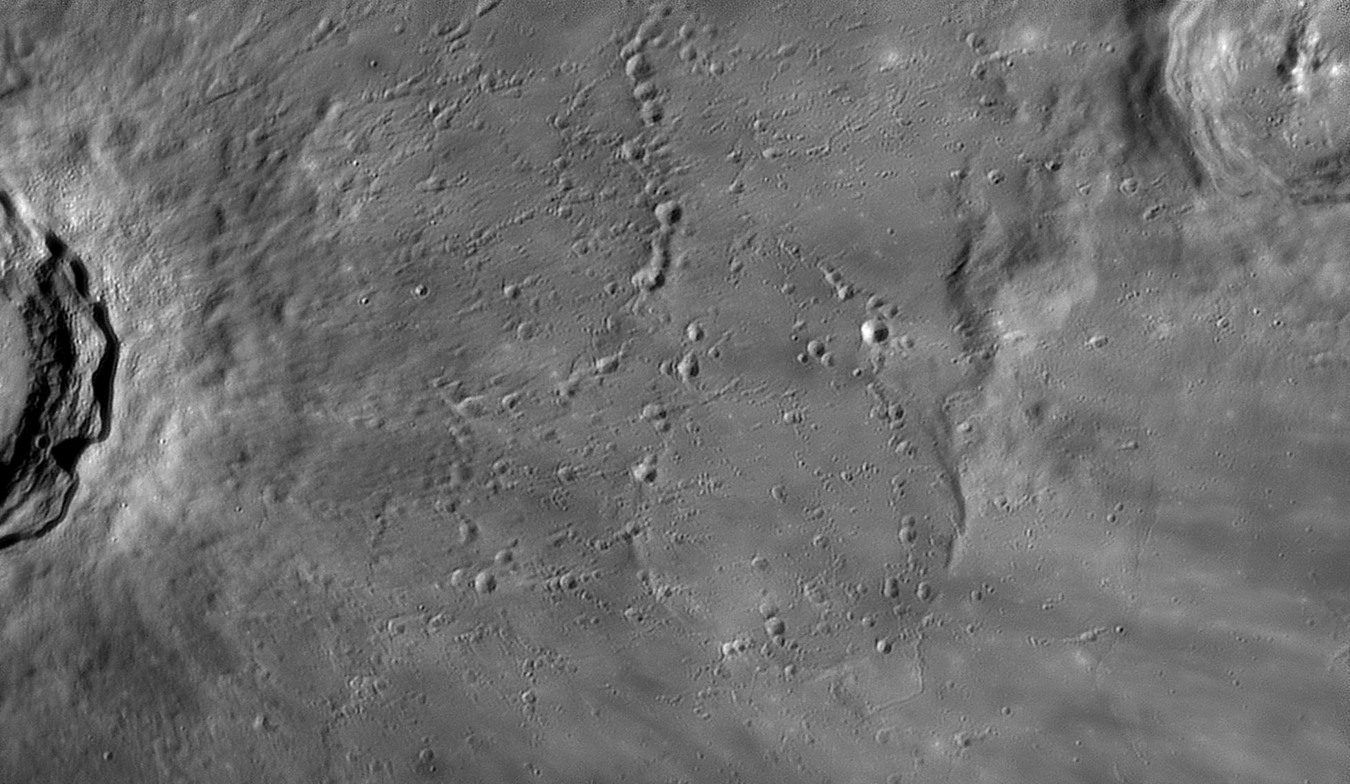 large.moon_03_04_2020_20_33-STADIUS.jpg.99d9ff4b37ca74c3813216a67ee025dd.jpg