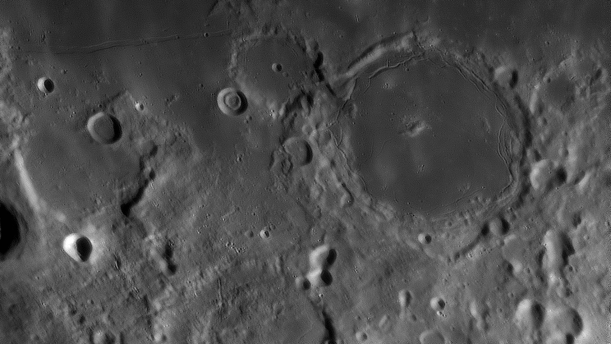 large.moon_03_04_2020_20_35_PITAT.jpg.de17d7644f2ca779646c6b42596c6fa2.jpg