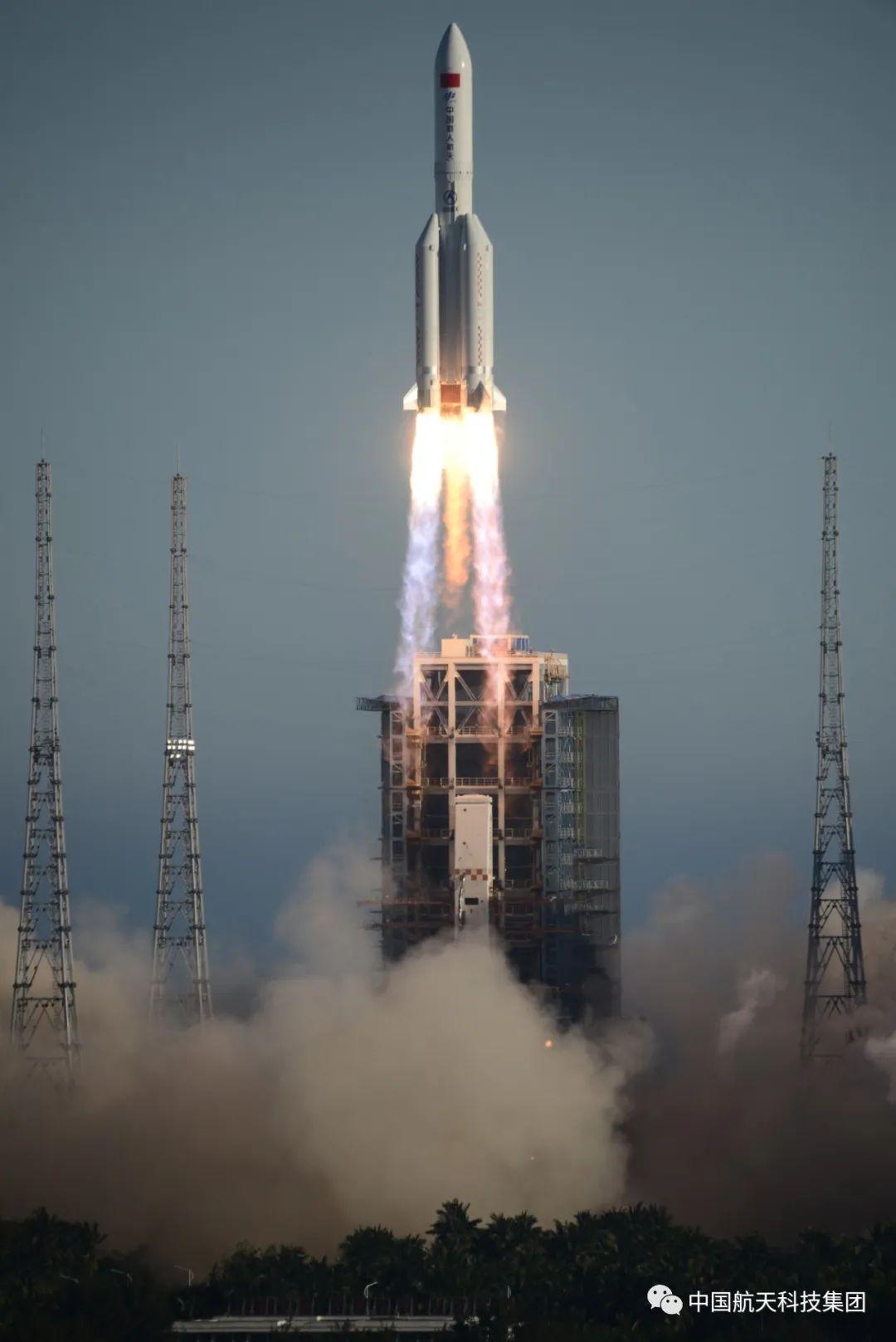 20200505_CZ-5B_Wenchang_launch_01.jpg.82071b10787cc623d8990d815c765543.jpg