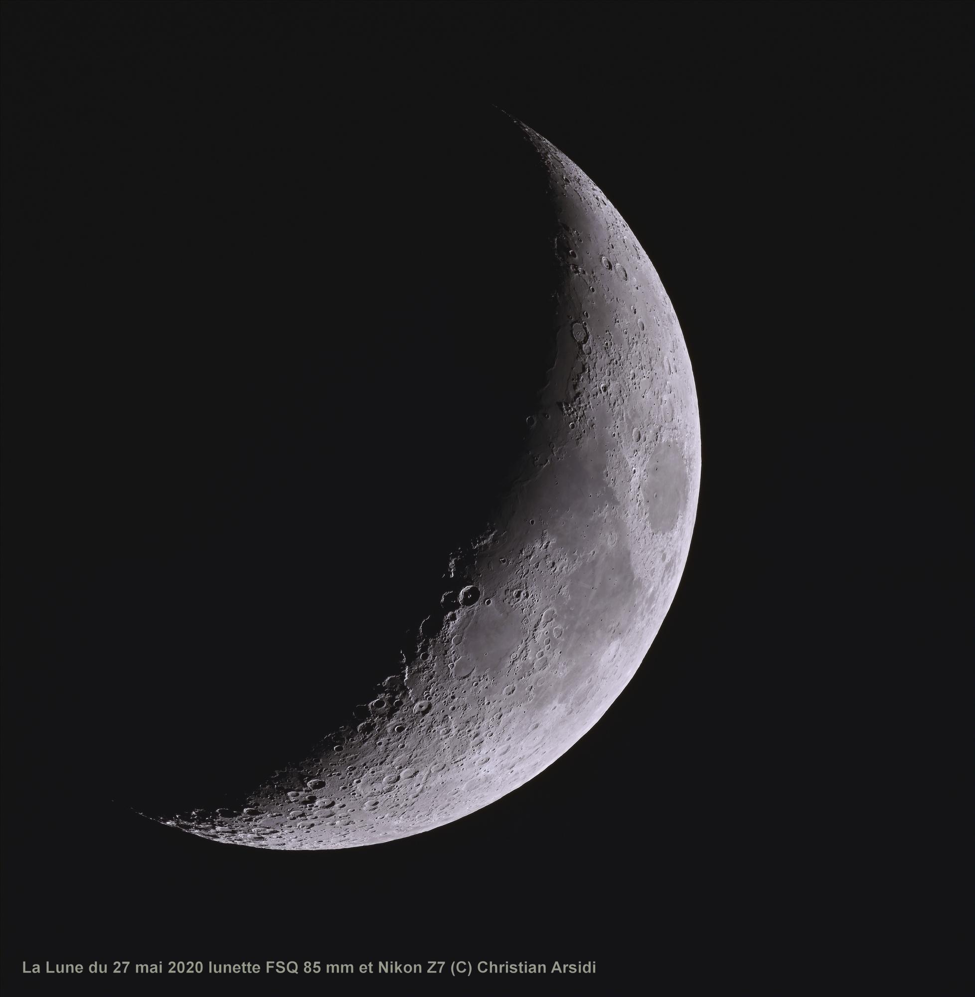 la Lune 20 images TTB BV 90% Jpeg.jpg