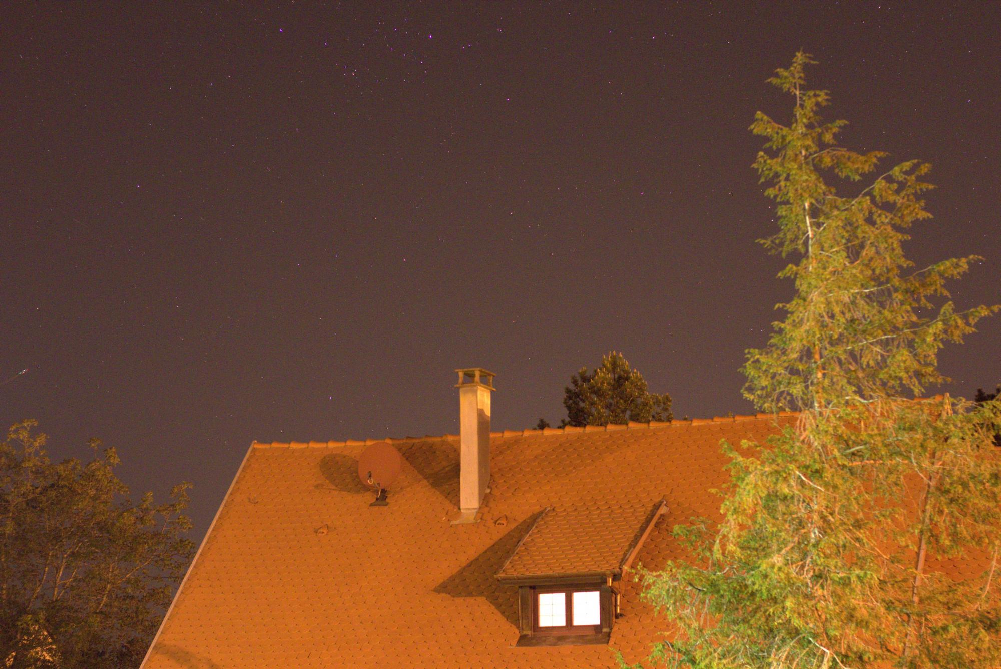 LIGHT_2s_3200iso_f2-8_20200423-23h10m42s785ms.jpg