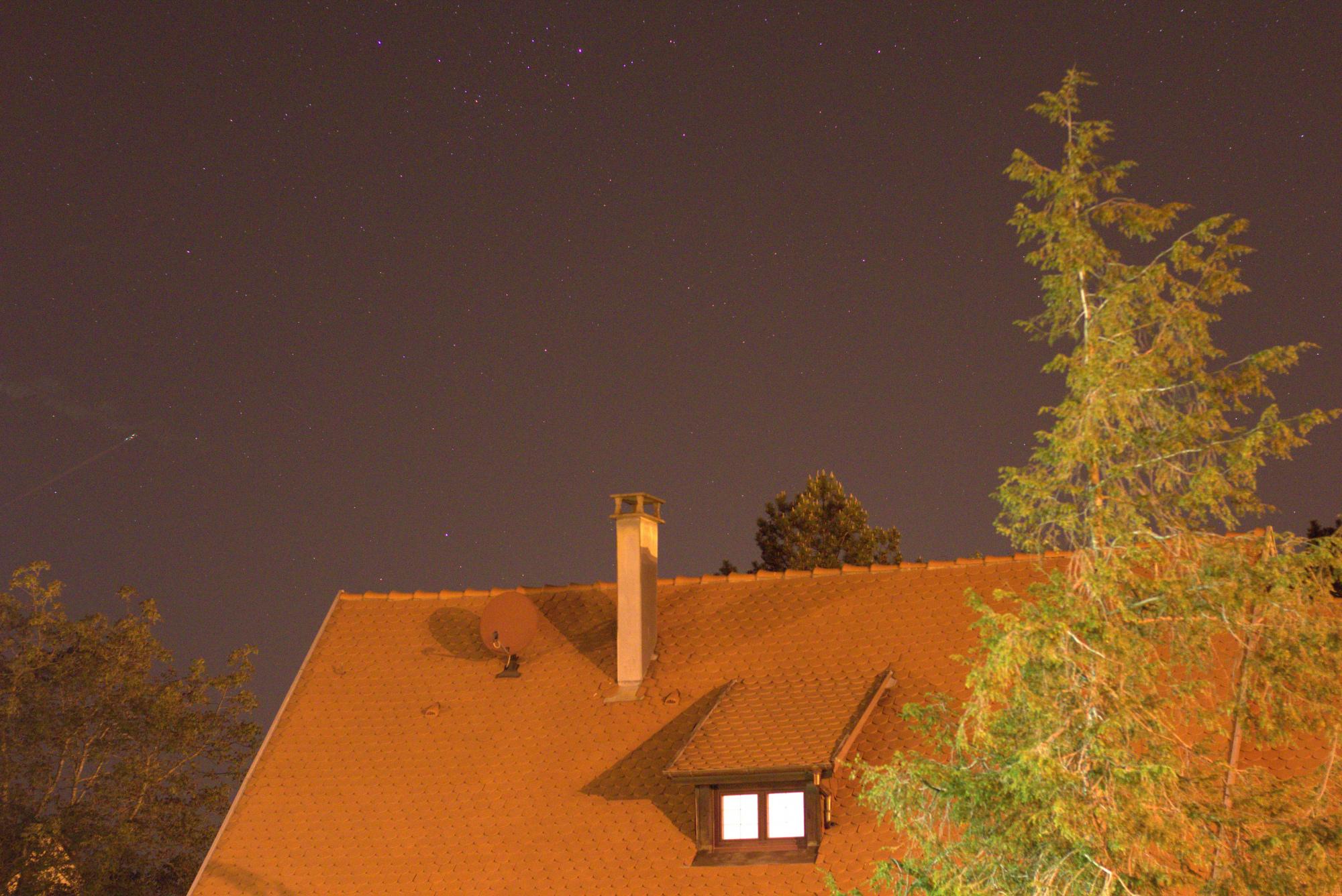 LIGHT_2s_3200iso_f2-8_20200423-23h11m06s397ms.jpg