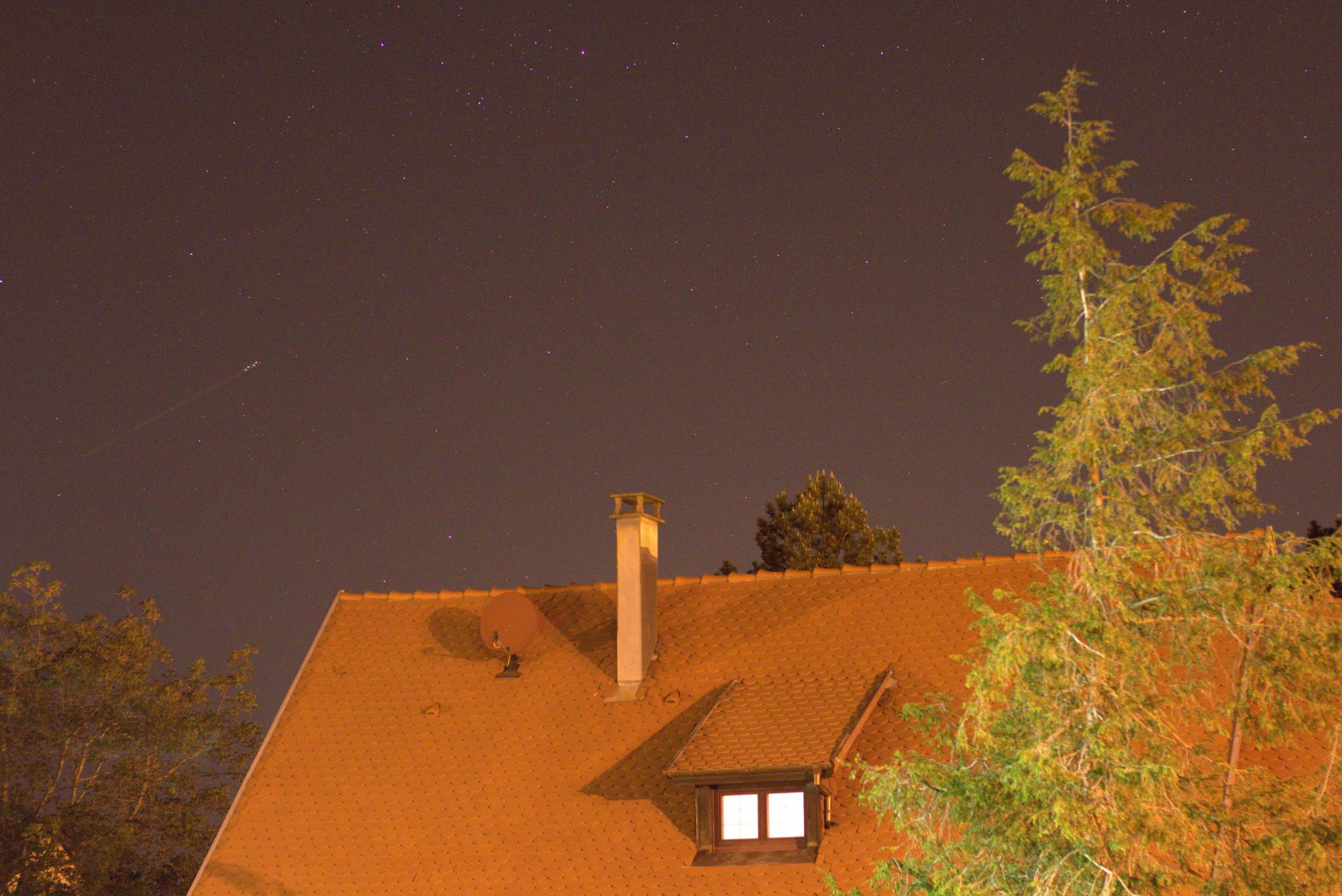 LIGHT_2s_3200iso_f2-8_20200423-23h11m29s603ms.jpg