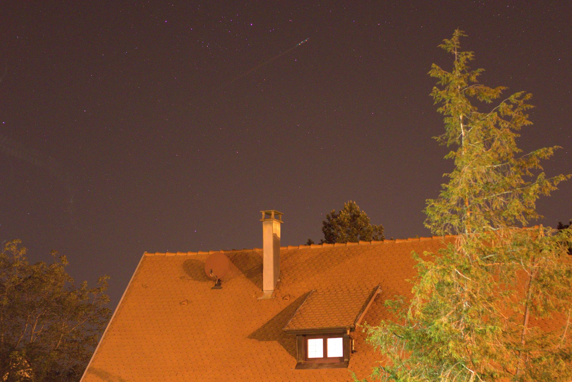 LIGHT_2s_3200iso_f2-8_20200423-23h12m27s891ms.jpg