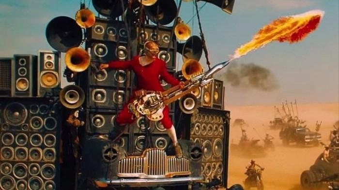 MadMax_FuryRoad_flamethrower-guitar-player.jpg.c1b29314f434179f52055f42cf617e04.jpg