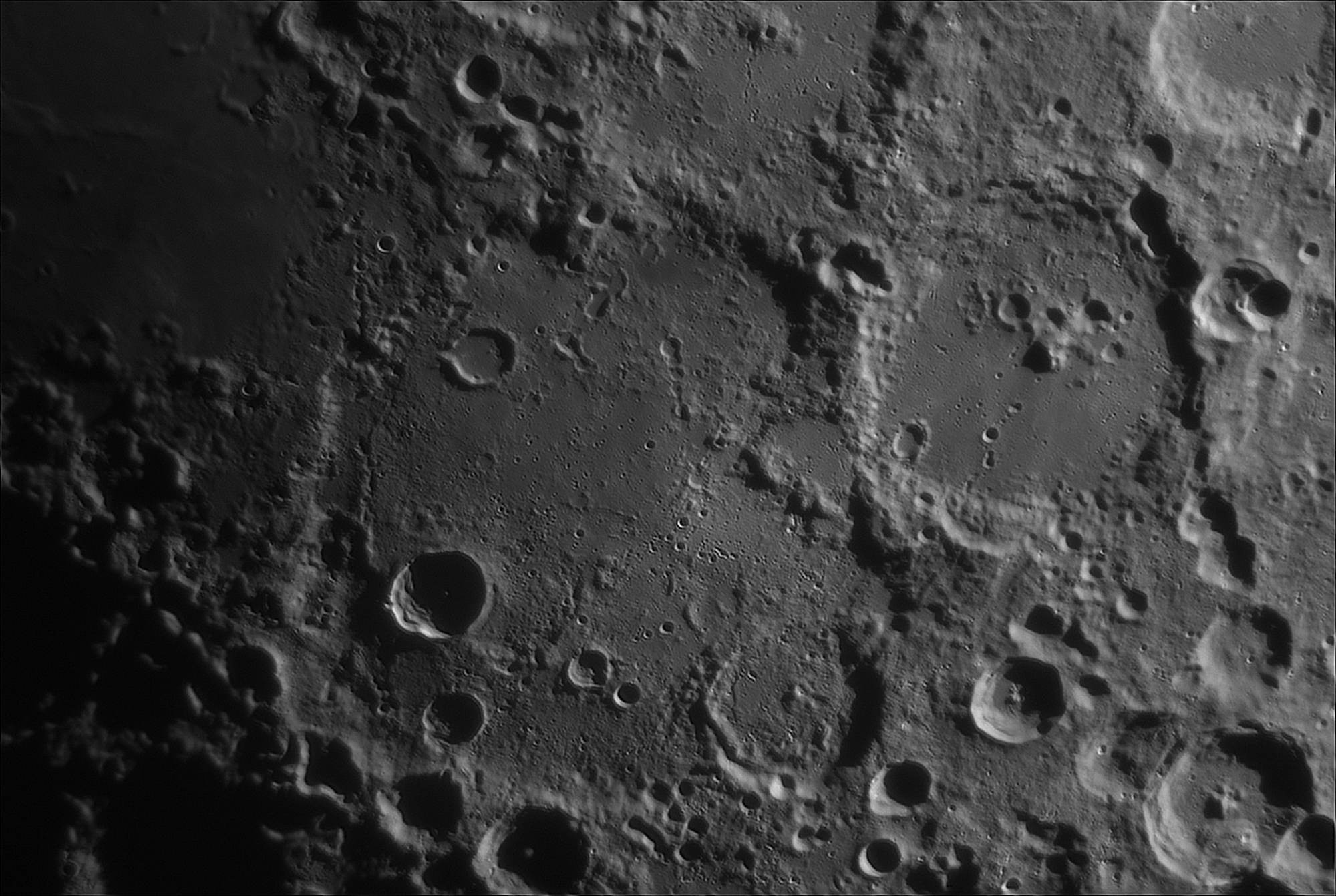 Moon_200530_204855_G__cro_100r_T80_900_reg.thumb.jpg.6b13d41864c52ef61480d3473ab94a67.jpg