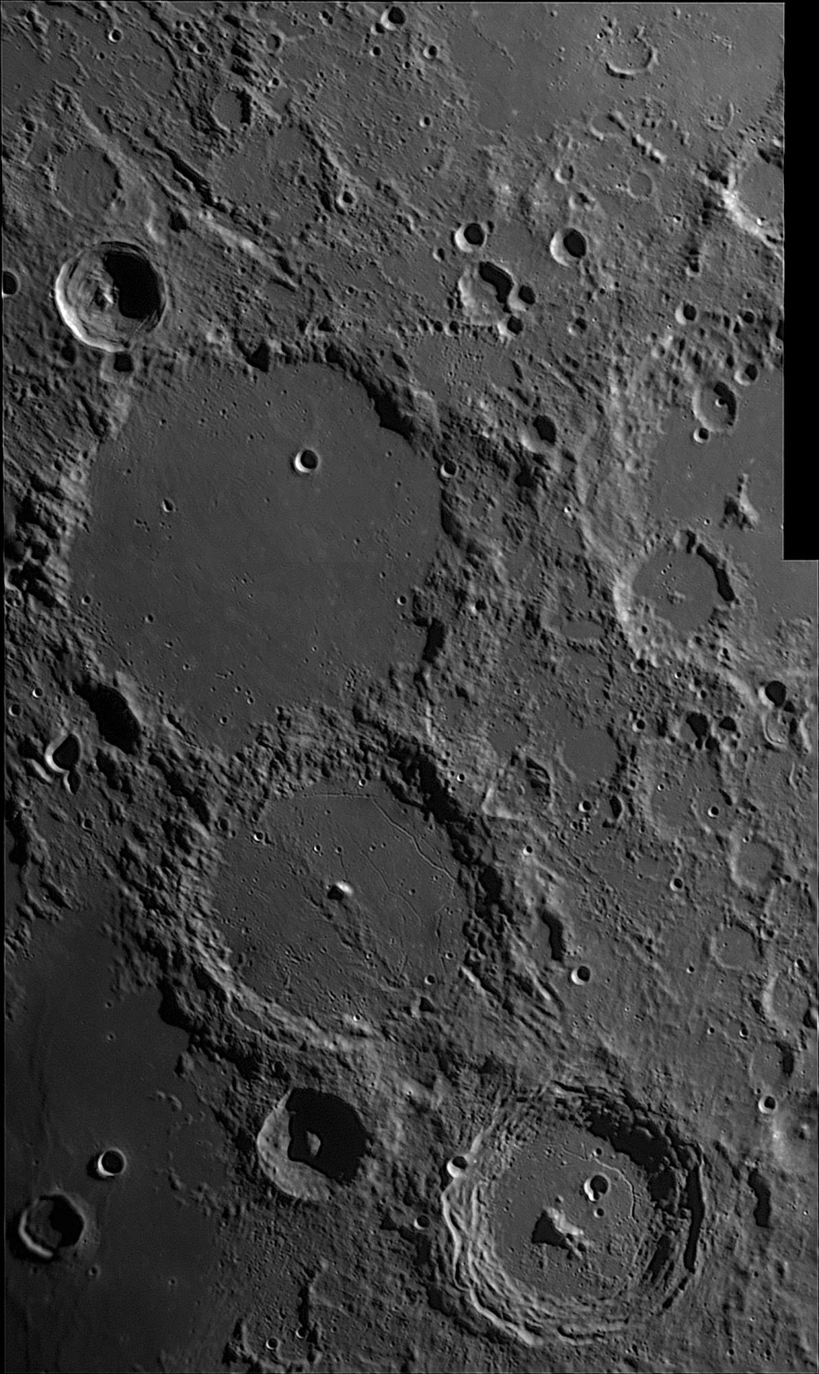 Moon_200530_205219_G_stitch.thumb.jpg.2477bd10171d69d8b59e83d8cb42d4bf.jpg