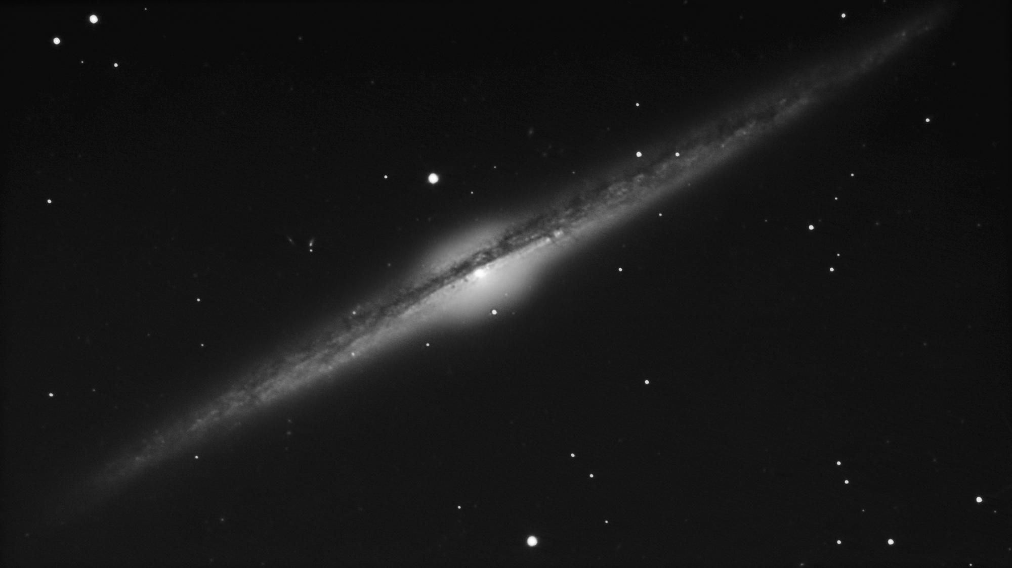 NGC-4565-NB-web.thumb.jpg.d041161b08879db5ac8a7f992630b875.jpg