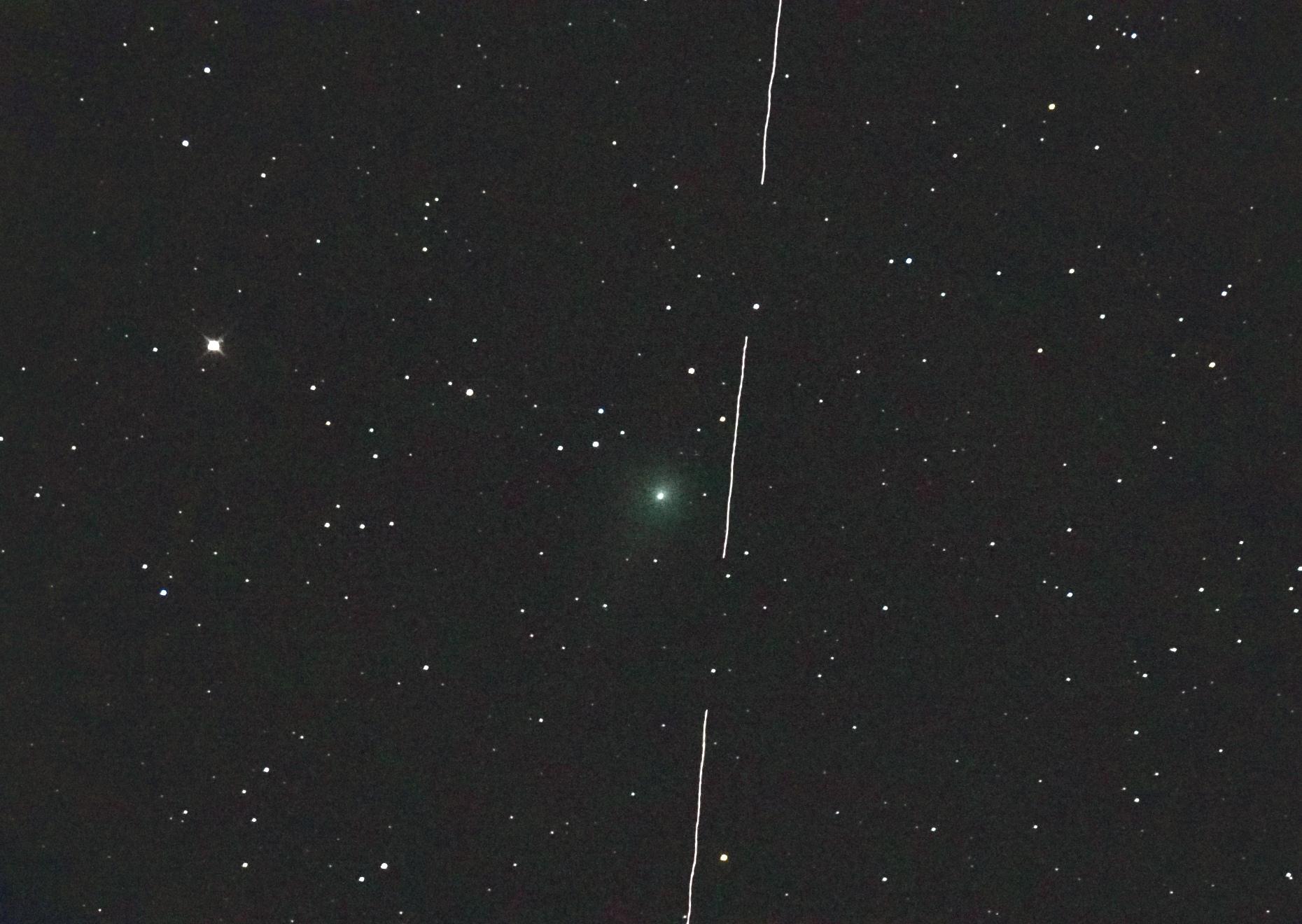 c2017t2-starlink-110520-22h31m16-t407f4b-3s.jpg.3433b13e806d8736be4a19f69ef168b4.jpg
