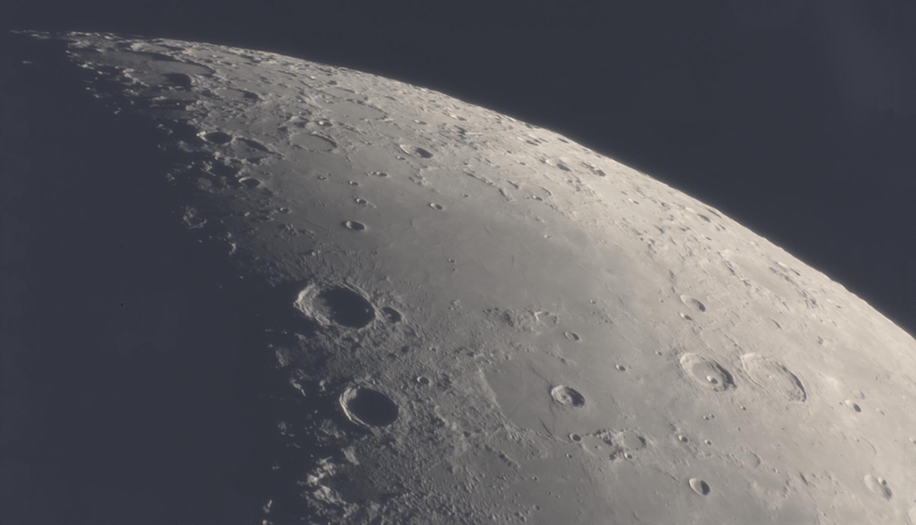 lune1.jpg.3e514929c0f1f11e8dbd48b241c49279.jpg