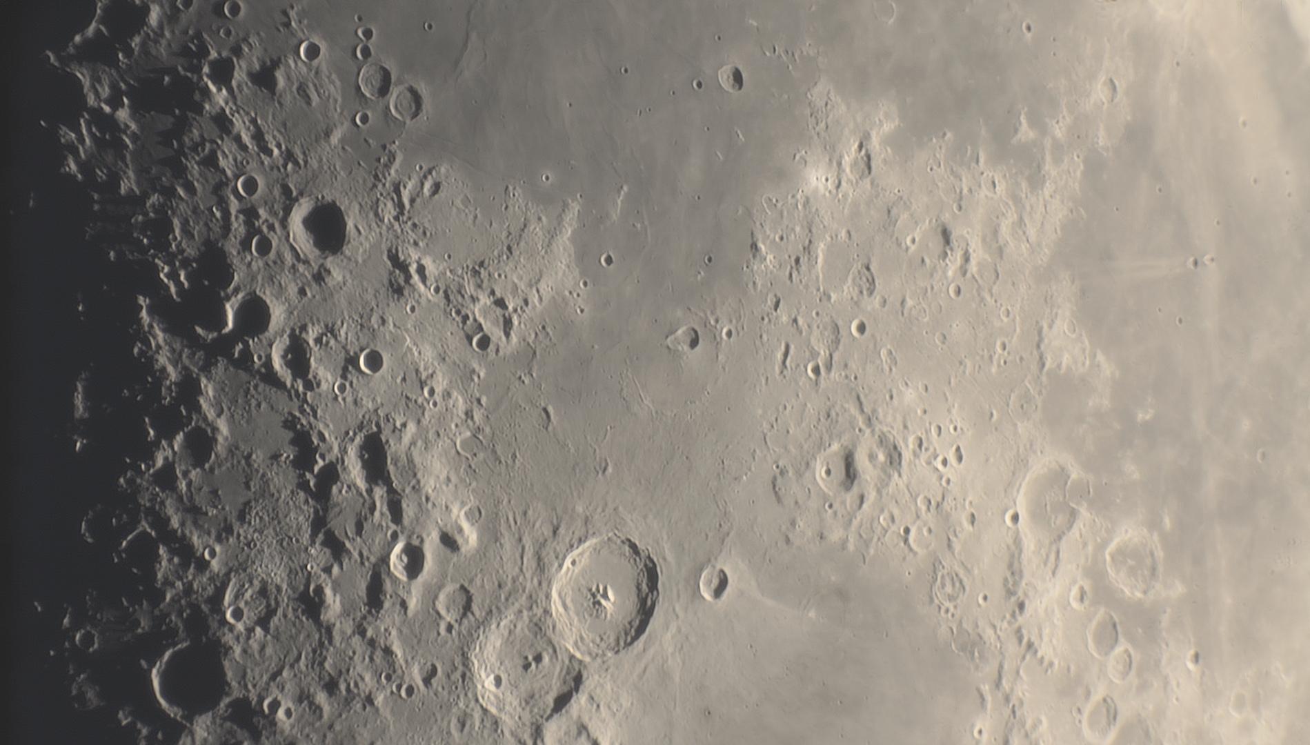 lune11.jpg.acbf062e3783929a79ee4409bd2232e2.jpg