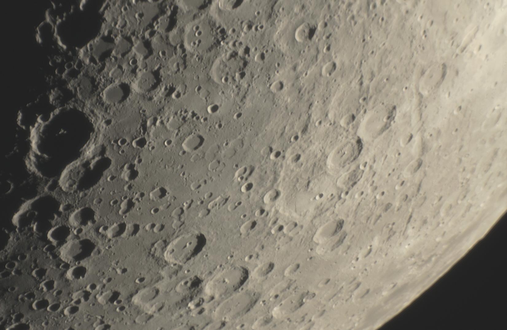 lune18.jpg.838bf870c6d52a975d87e9326414e129.jpg