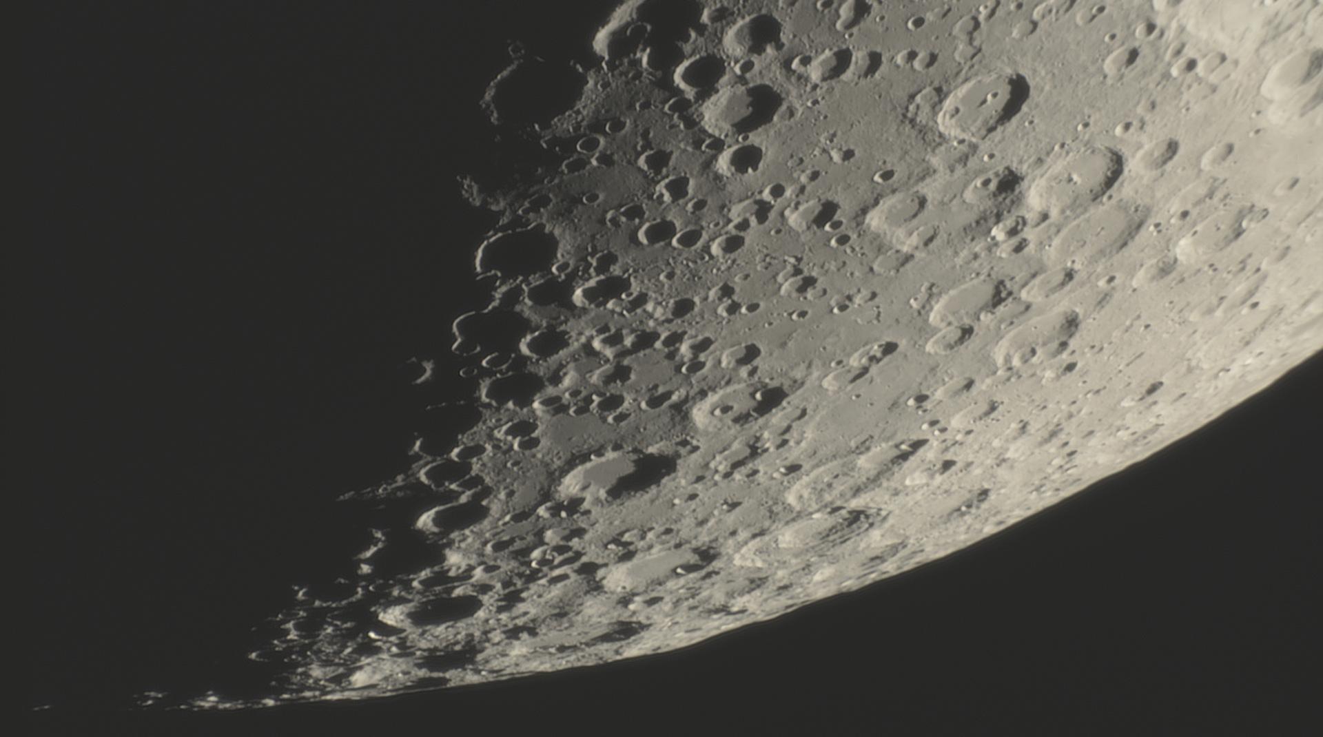 lune19.jpg.93f9054ca7f0c29c3003855916dce49b.jpg