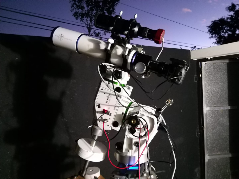 Astronomical equipment