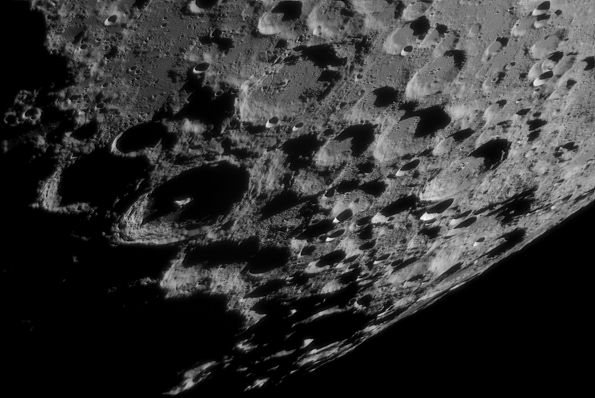 Moon_200530_204258_W23A_join_pipp_AS_F600_lapl4_ap274.thumb.jpg.e0a98e5719c421c8be79488e244f4812.jpg