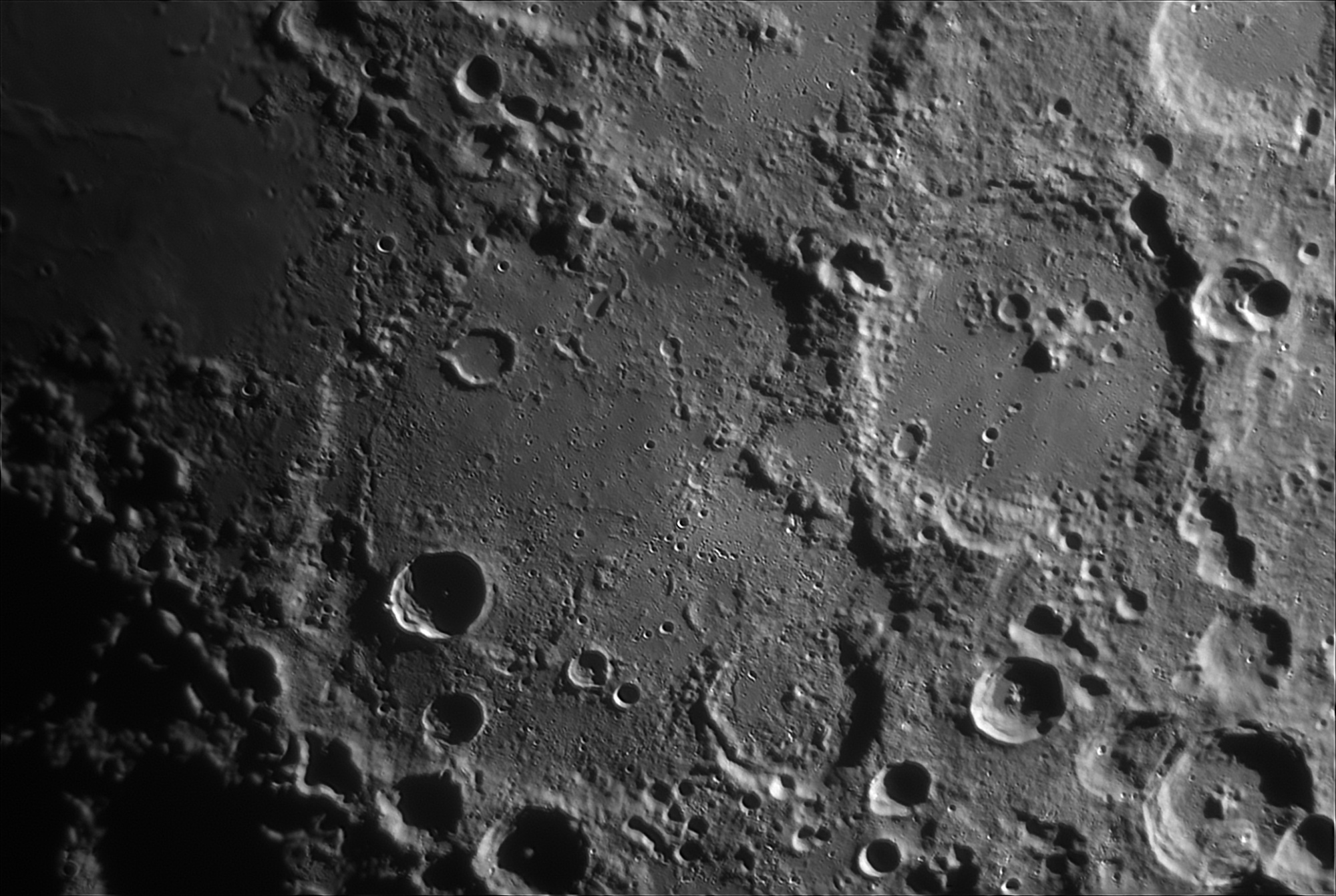 Moon_200530_204855_G_Maginus.thumb.jpg.513f4fa4c5acc3dc1f60f94865ebfb9a.jpg