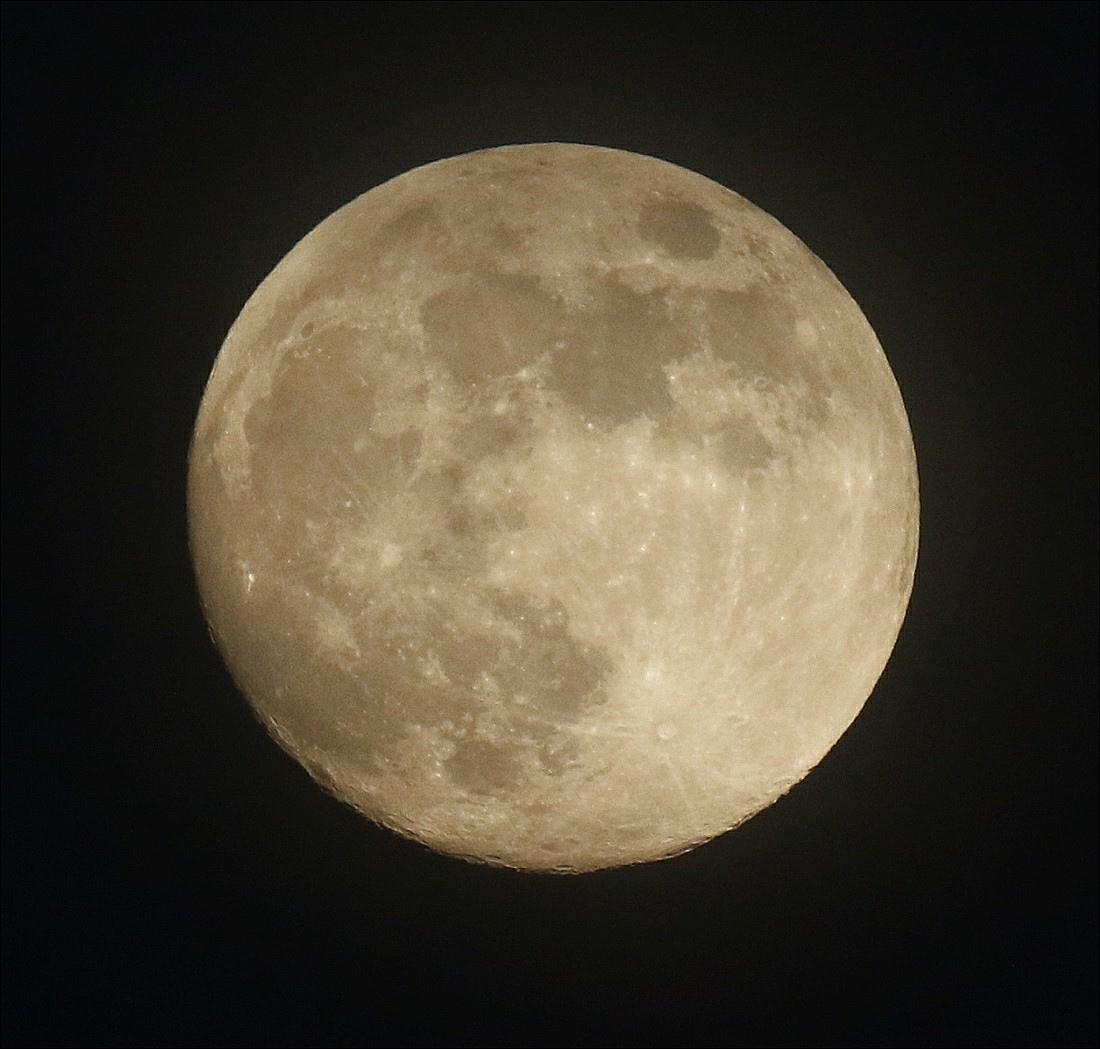 la lune le 04/06/2020 (53709AI1R6 1)