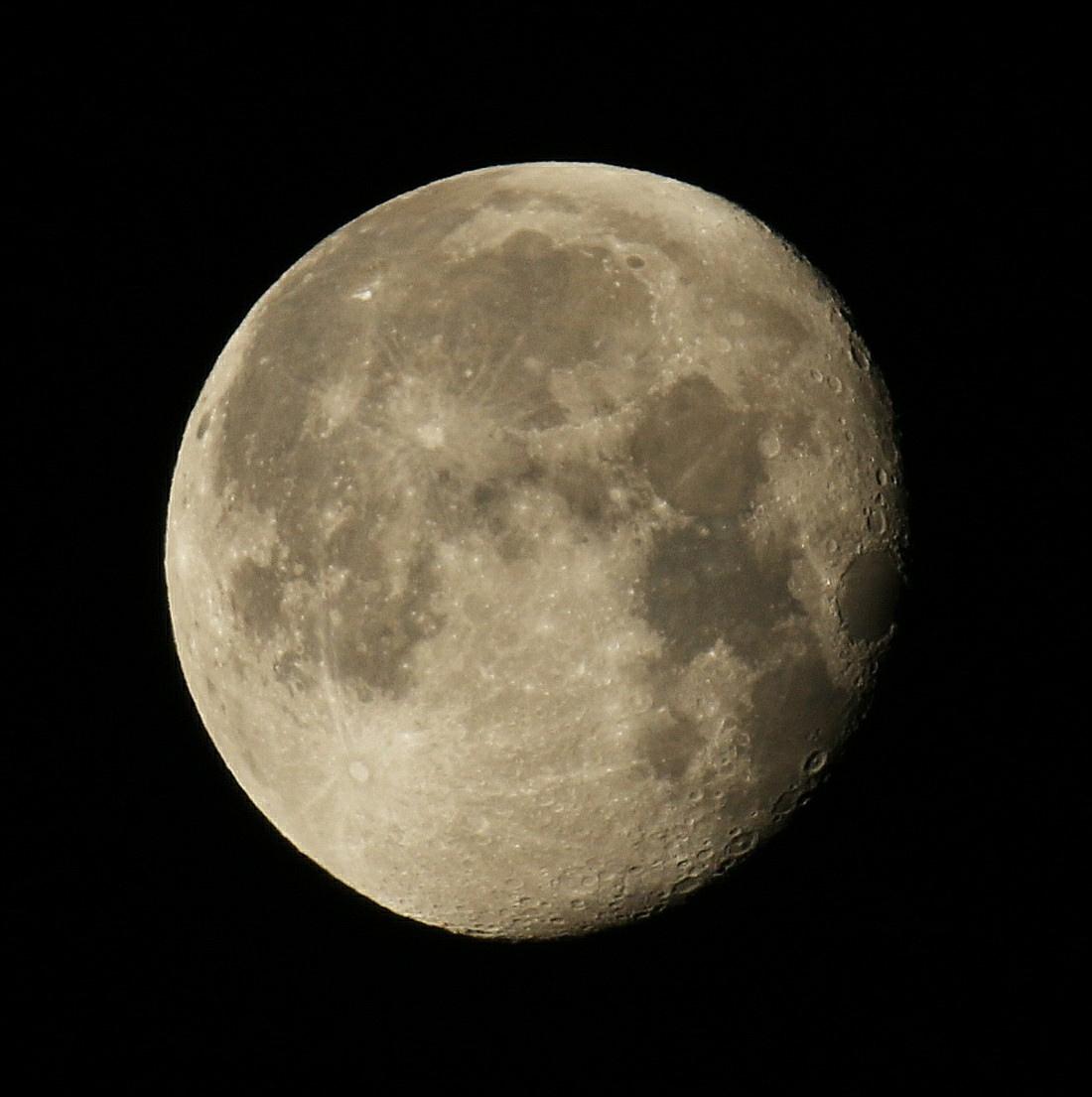 la lune le 08/06/2020 (54120AI1R6 1) ce matin à 5 h