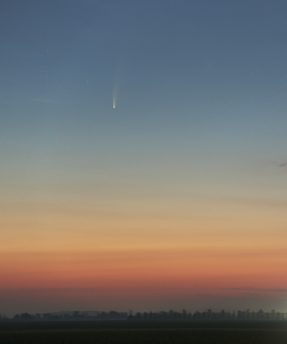 NEOWISE_200710-3h54_recadr.jpg.bbbd9c38b16efac2b8aa813dec460075.jpg