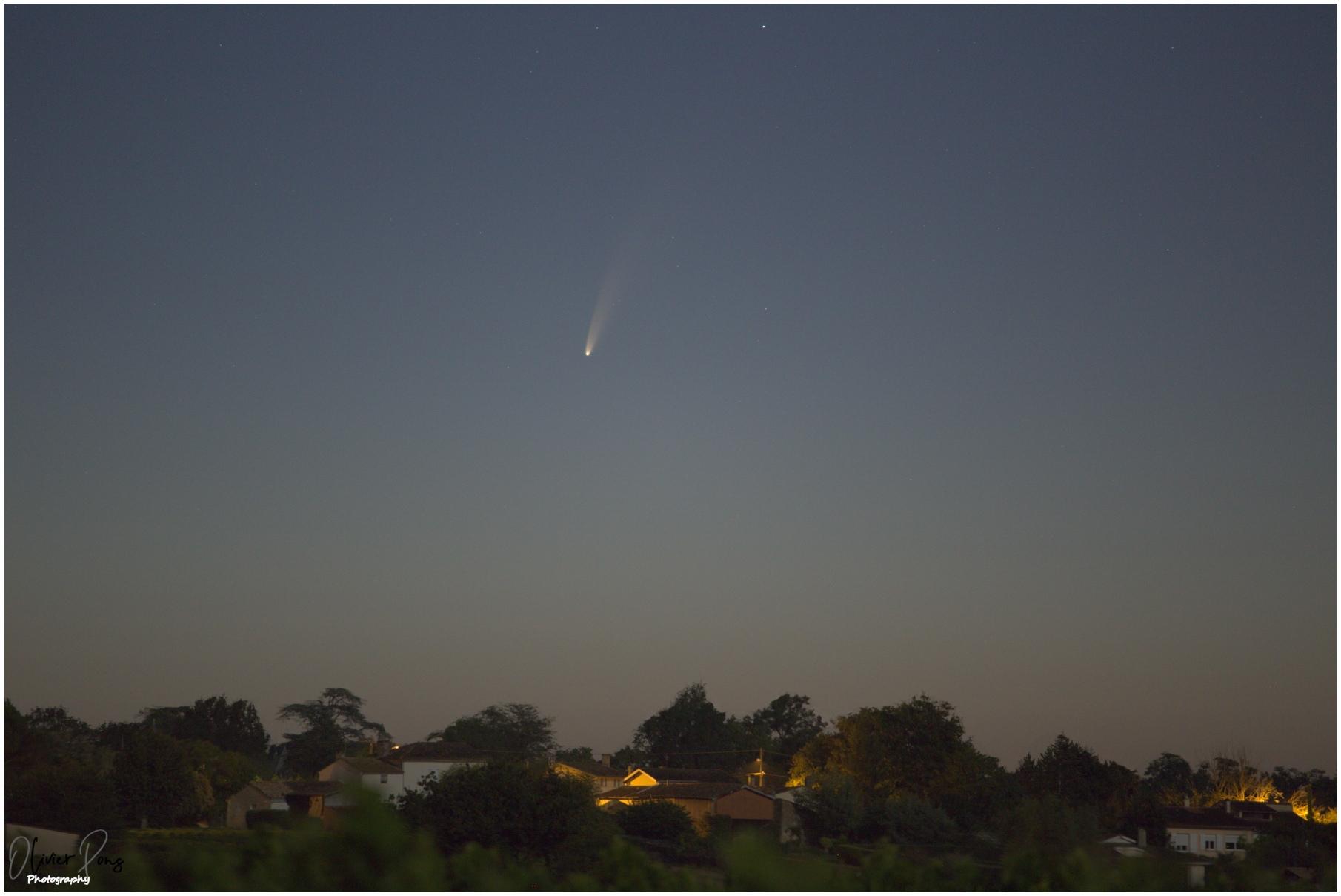 comet_20200707_4h51mn_6d_200mm_web.jpg