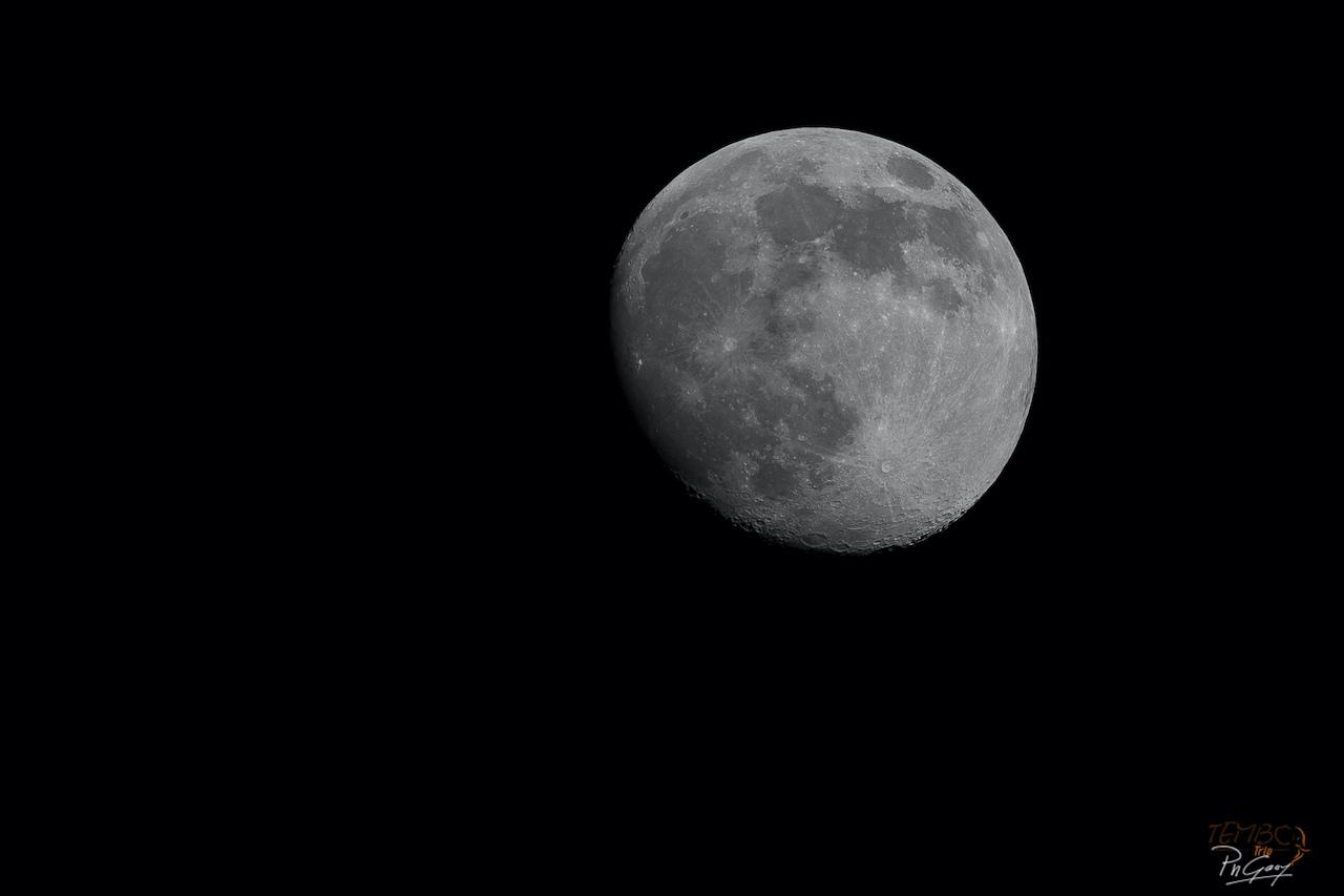 2020 - Lune et ciel Nocturne -0002.jpg