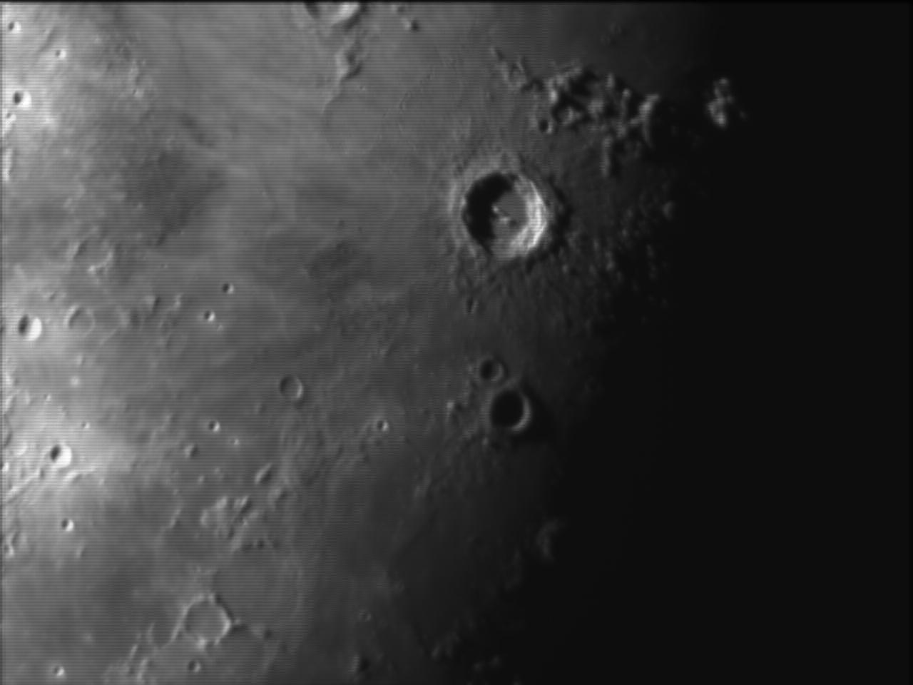 lune.jpg.f54b51e635381d3077500a5a1761119f.jpg