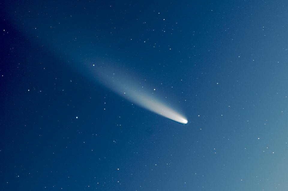 NEOWISE C/2020 F3 ( gros plan sur la comète ).JPG