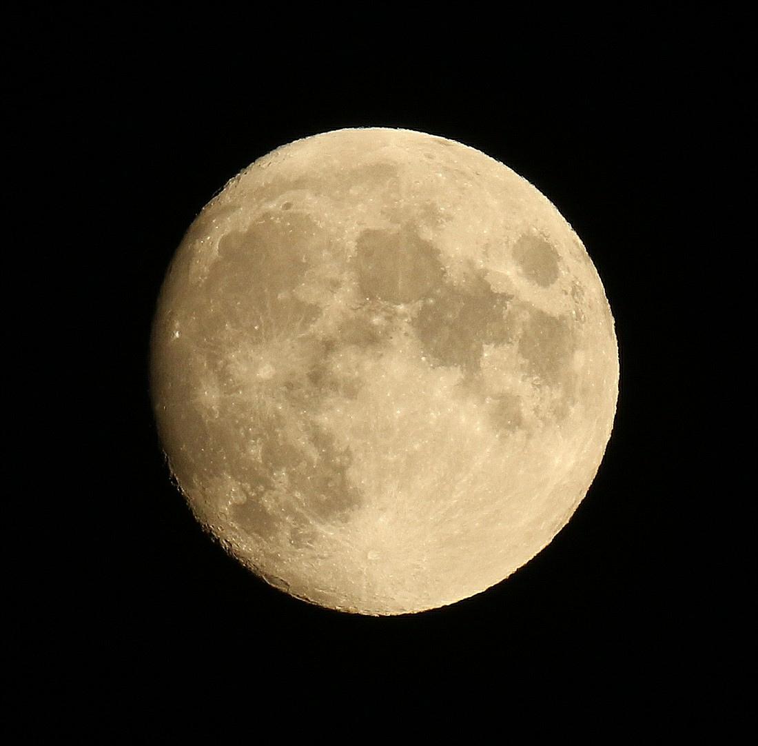 la lune le 01/08/2020 (55485/95)