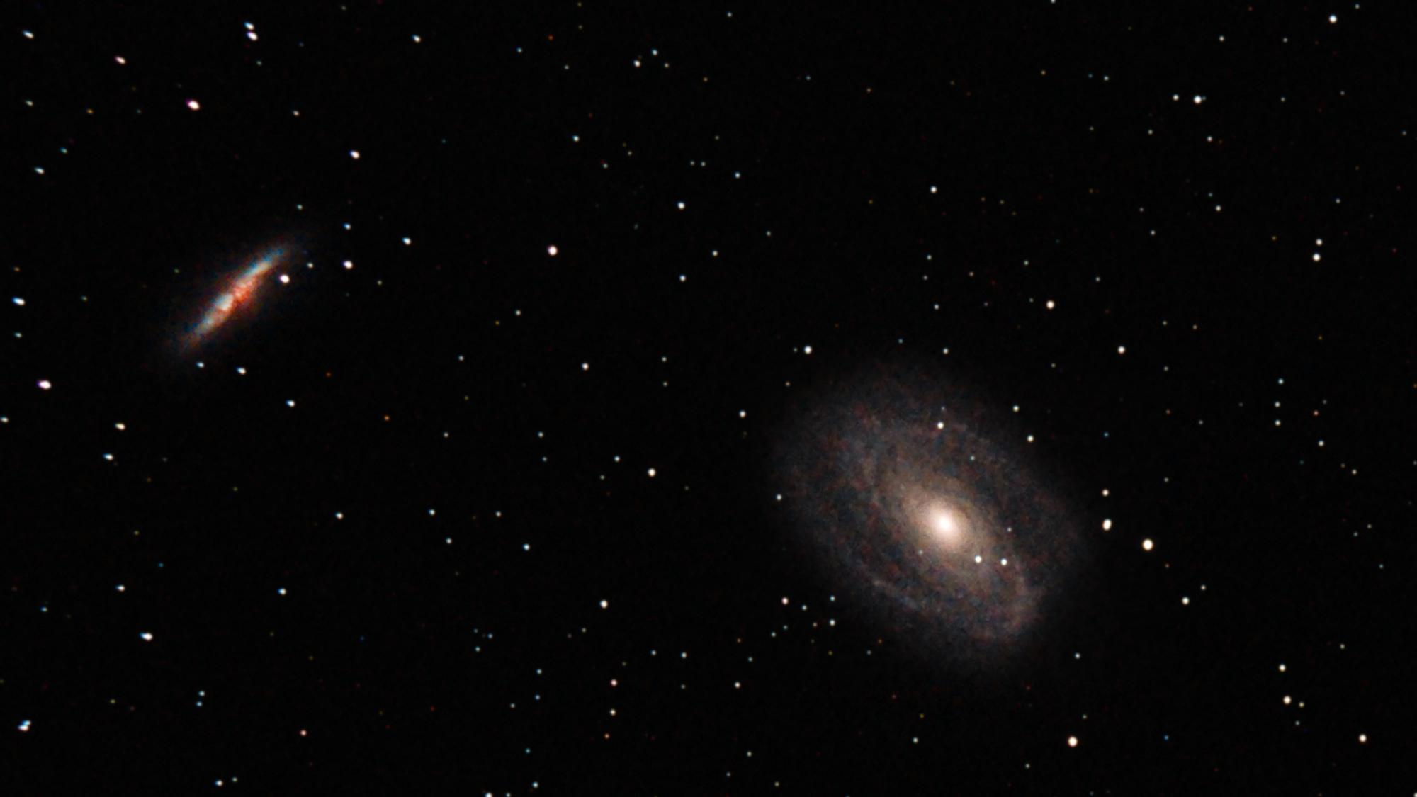 Galaxie Bode M81 28x300s ISO800 - détail - avec flou gaussien sur les étoiles et débruitage.jpg