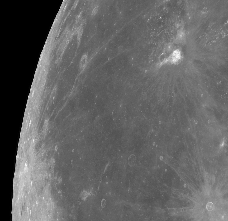 Lune_Detail-02.jpg.5d8e930d393f29ee1b262a771387eda5.jpg