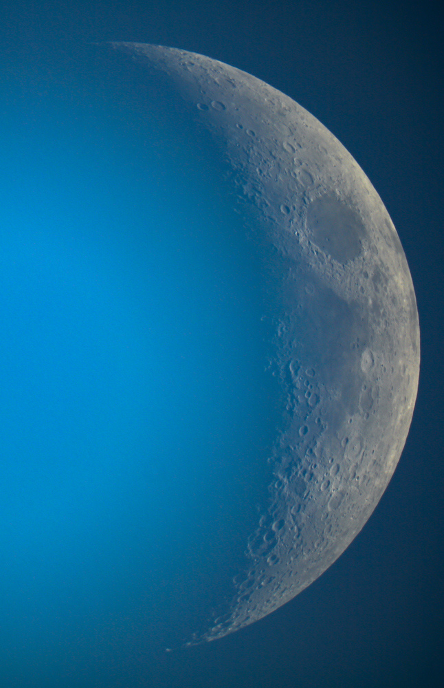 lune_w.jpg.1ff0509b055fd1a6f1d6e1ee5e6fb048.jpg