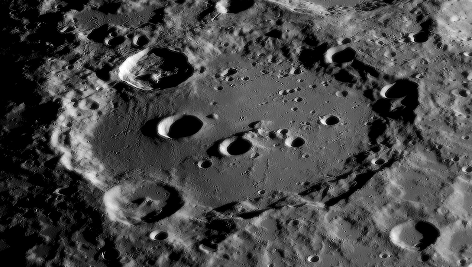 large.Moon_09_10_2020_02_29_47_R_.jpg.a106eabea82220efea618df62cd2231f.jpg