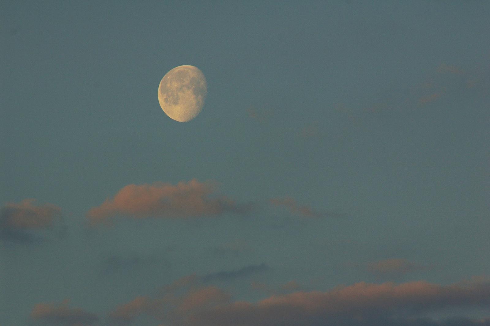 lune11avril2020-7h20-red.jpg