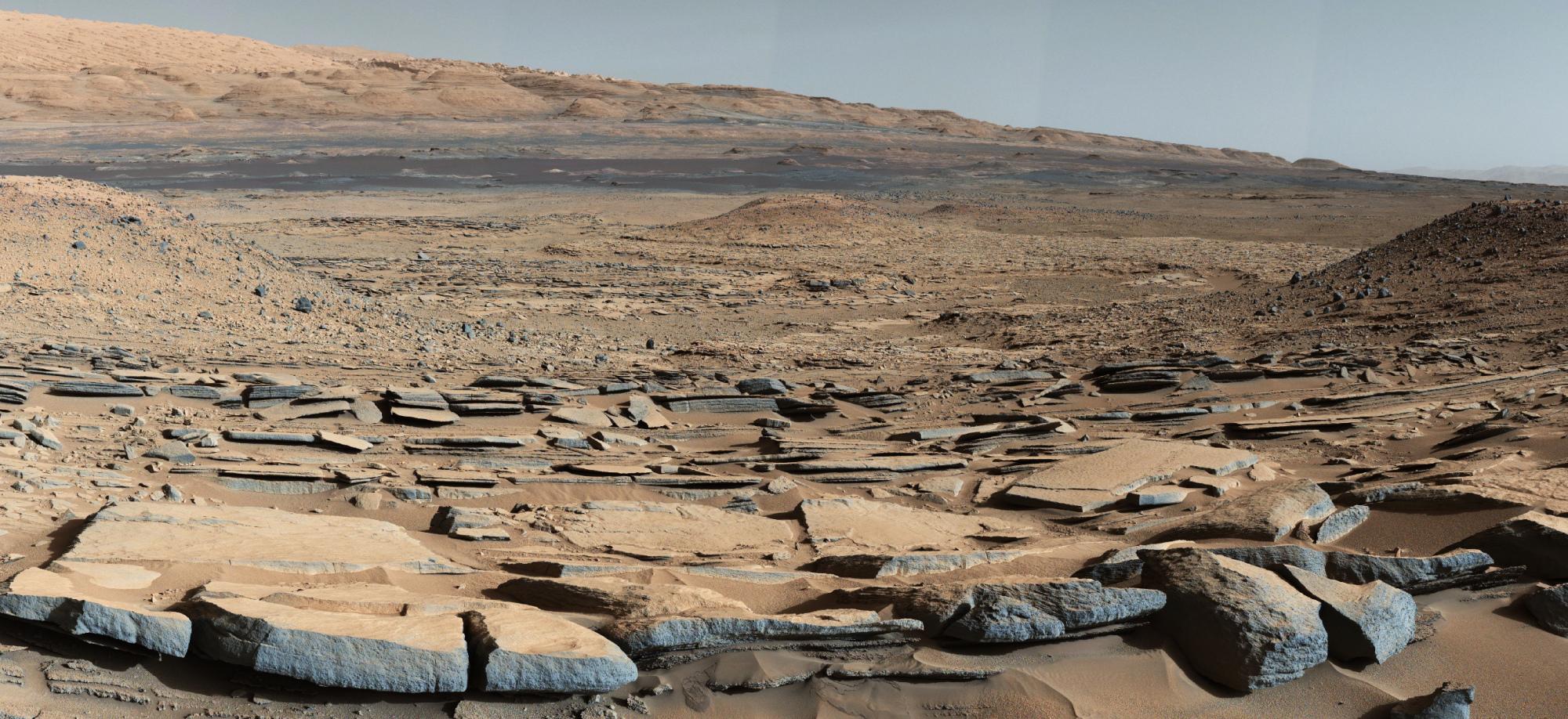 mars-curiosity-rover-gale-crater-beauty-shot-pia19839.thumb.jpg.09014aefbc21f1d66c0680a14f5979fc.jpg