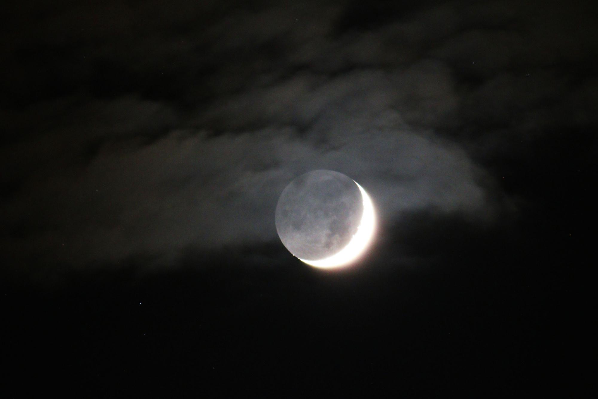 9 b Lune cendrée 5413B1N1 send.jpg