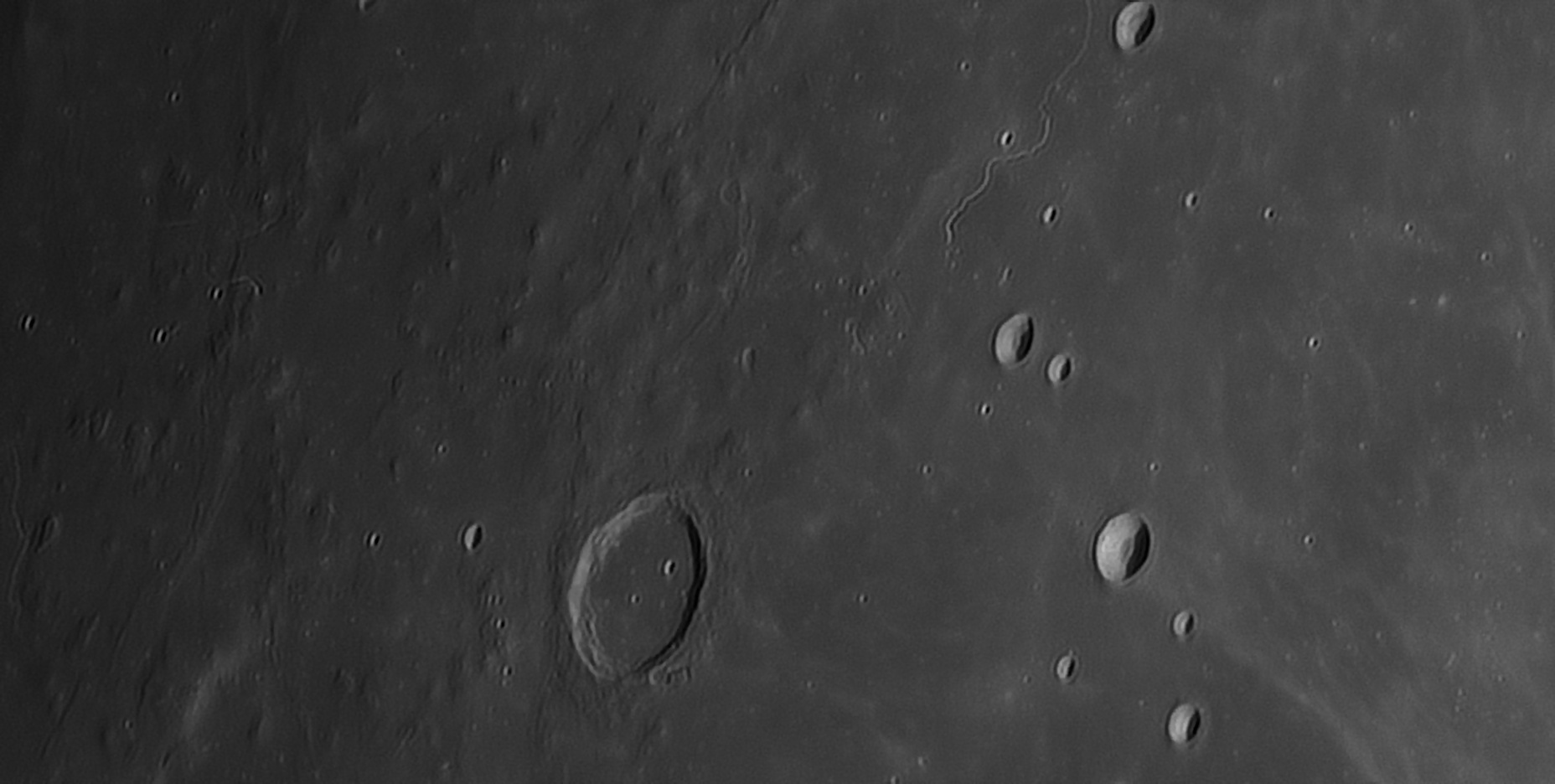5feda0a0459c3_Moon_221820_271220_ZWOASI290MM_R-ccd_AS_P50_lapl6_ap1089.jpg.d13845cd8402b839e1e1346c30683a88.jpg