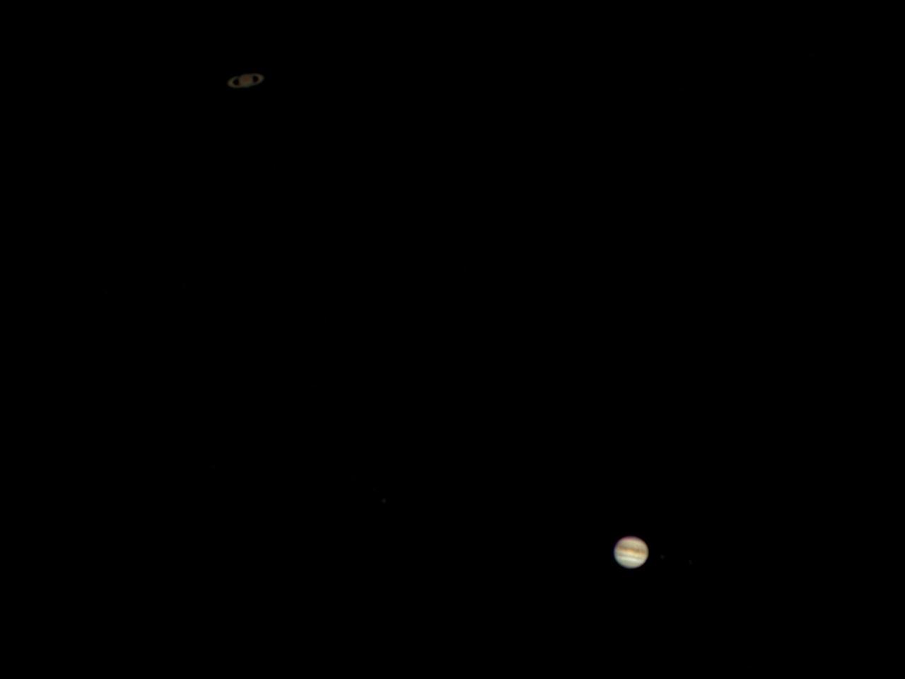 Jupiter_saturne_2020_12_20_181117_181223.jpg.9985ef19ea6ffb4b487647270dd97e98.jpg